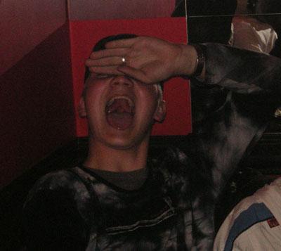 Римо, проснись! Ты на сборе, а не у стоматолога! :)