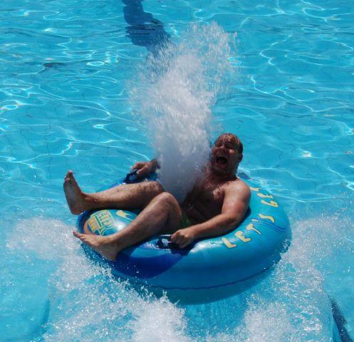 мегасквирт в бассейне =)